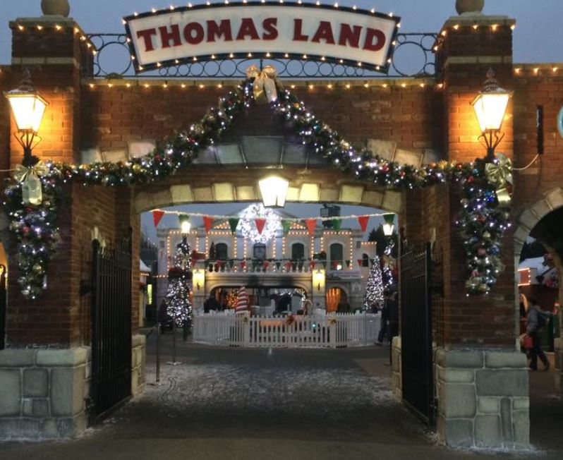 Front gates of Thomas Land looking in