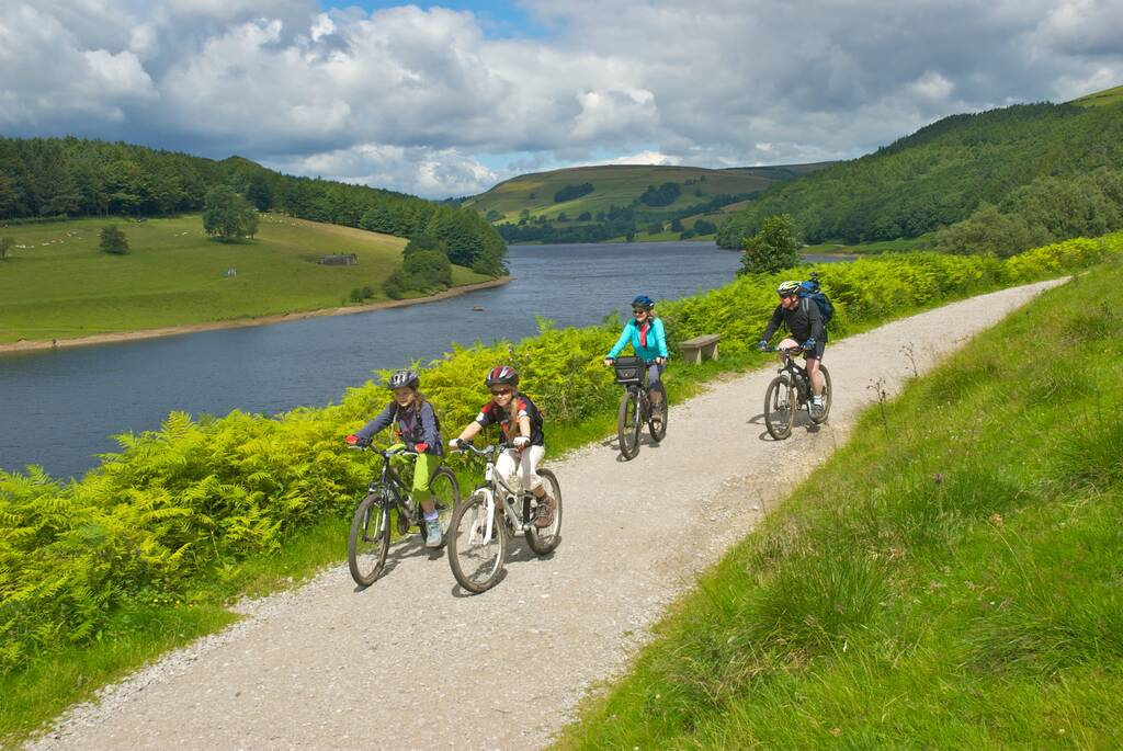 Family cycling in the Peak District