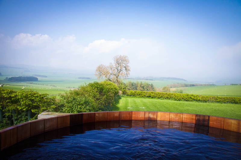 Hot tub with views of Northumberland